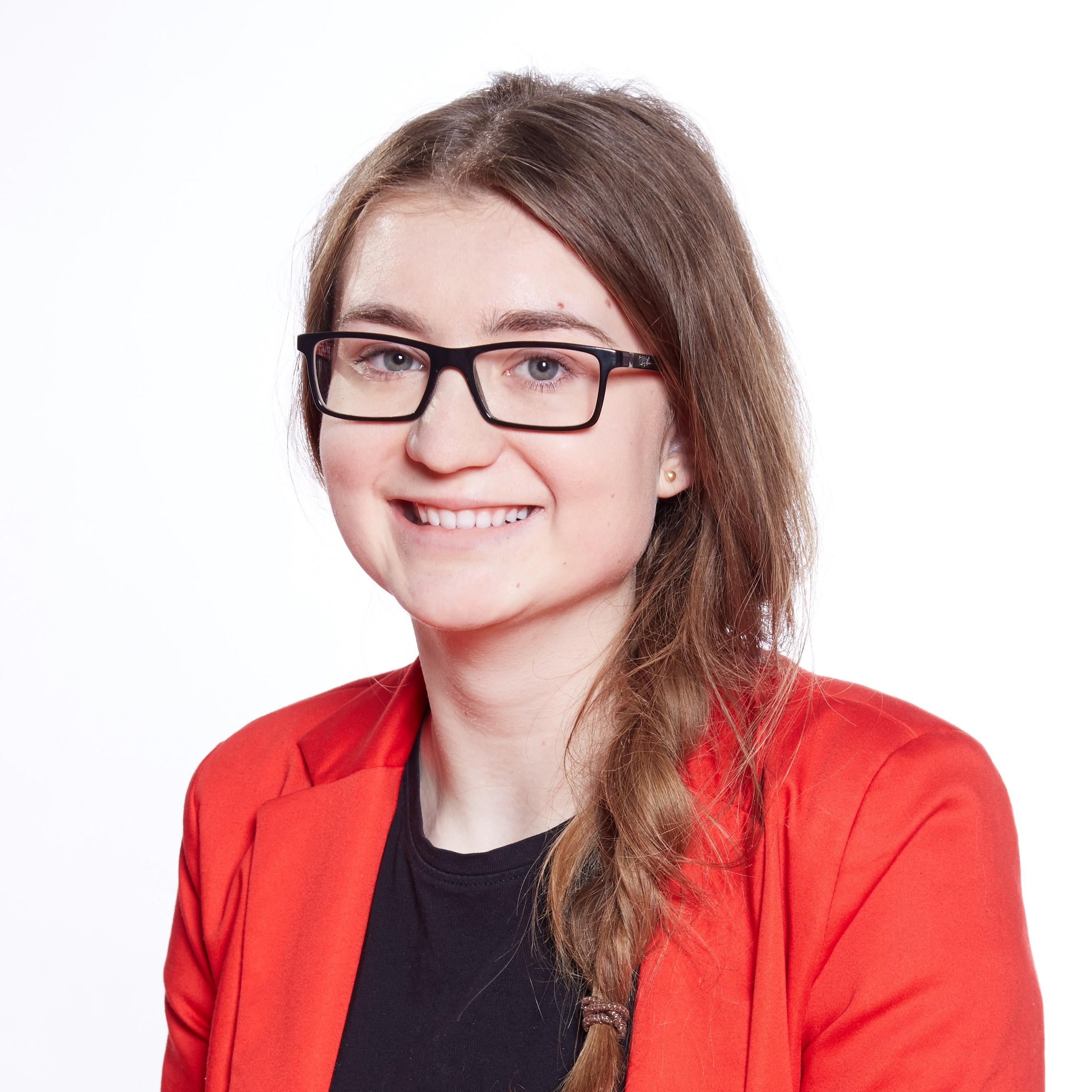 Hana Travnickova, Marketing Specialist